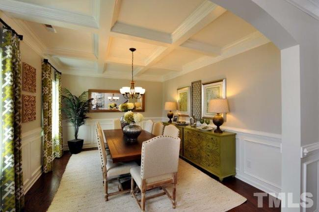formal dining room at 38 s waterloo drive