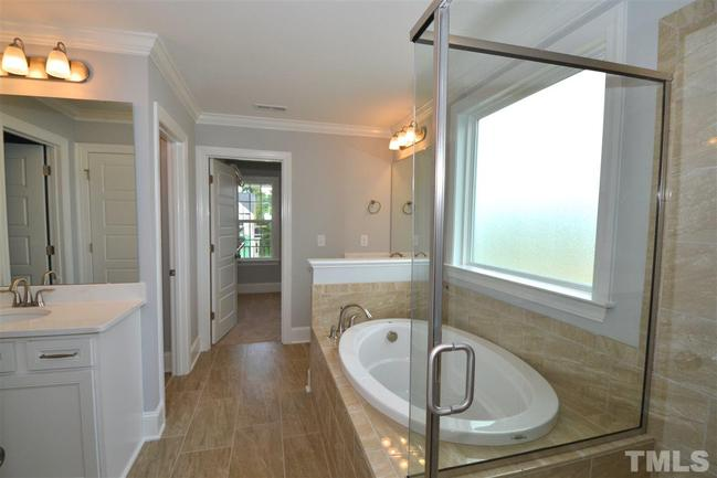 lovely master bath at 241 w wellesley drive