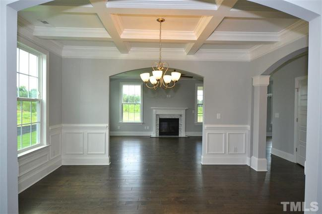 dining room of 241 w wellesley drive